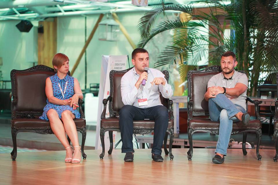 Карина Лапина, Александр Борняков, Олег Шкуропат — участники панельной дискусcии ITC на форуме Odessa 5T Summer Business Days