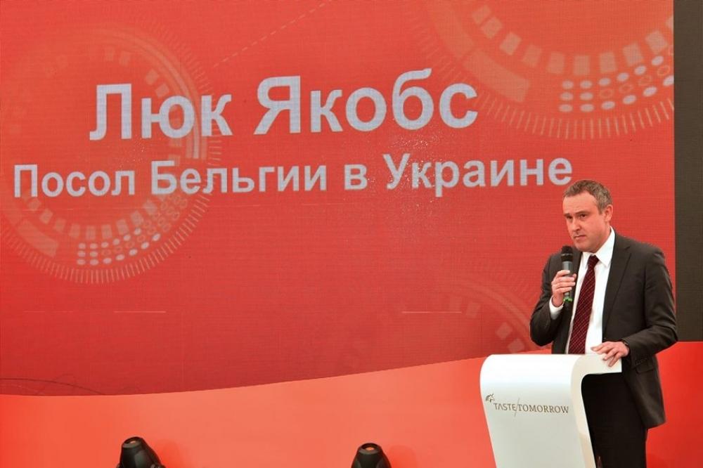 Люк Якобс, посол Бельгии в Украине Источник: http://dumskaya.net/pics/b0/picturepicture_64264864149675_82439.jpg