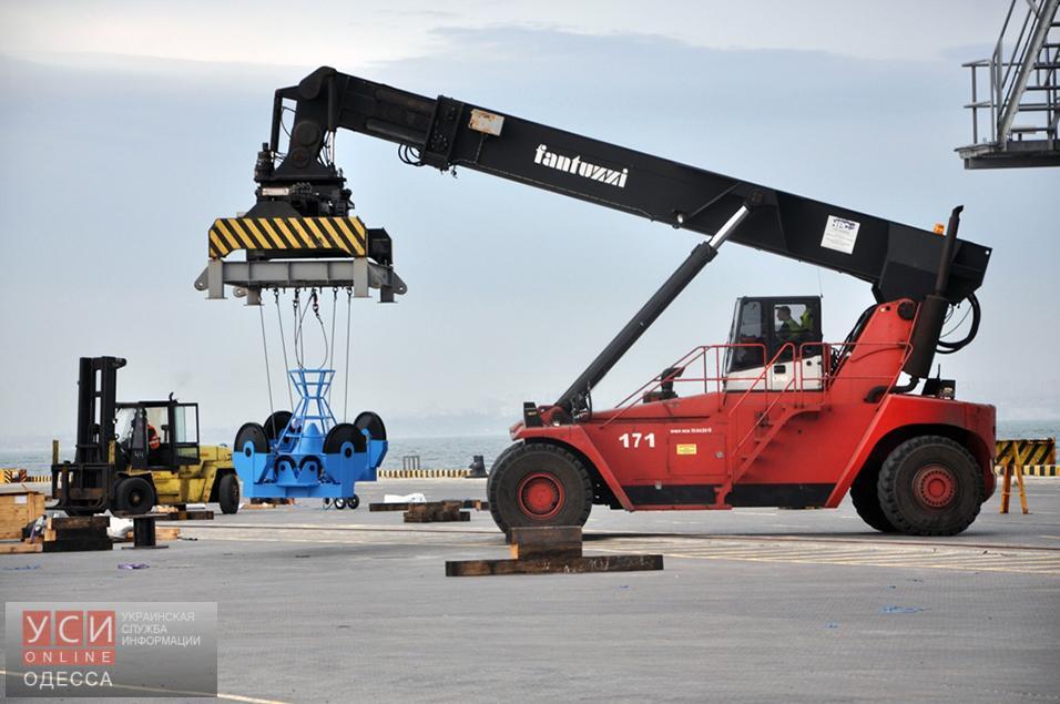 Краны финской компании в Одесском порту. Фото: сайт УСИ. Весна 2016 г.