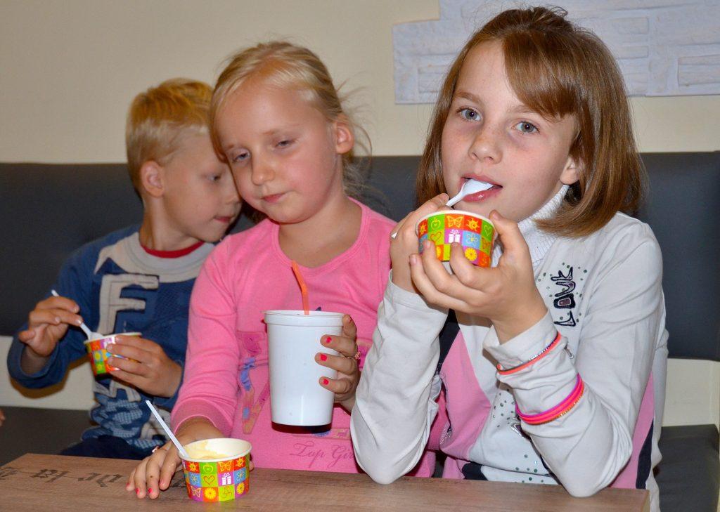 Дети оценивают готовый продукт