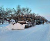 Военная техника расчищает дороги в Одесской области. Фоторепортаж