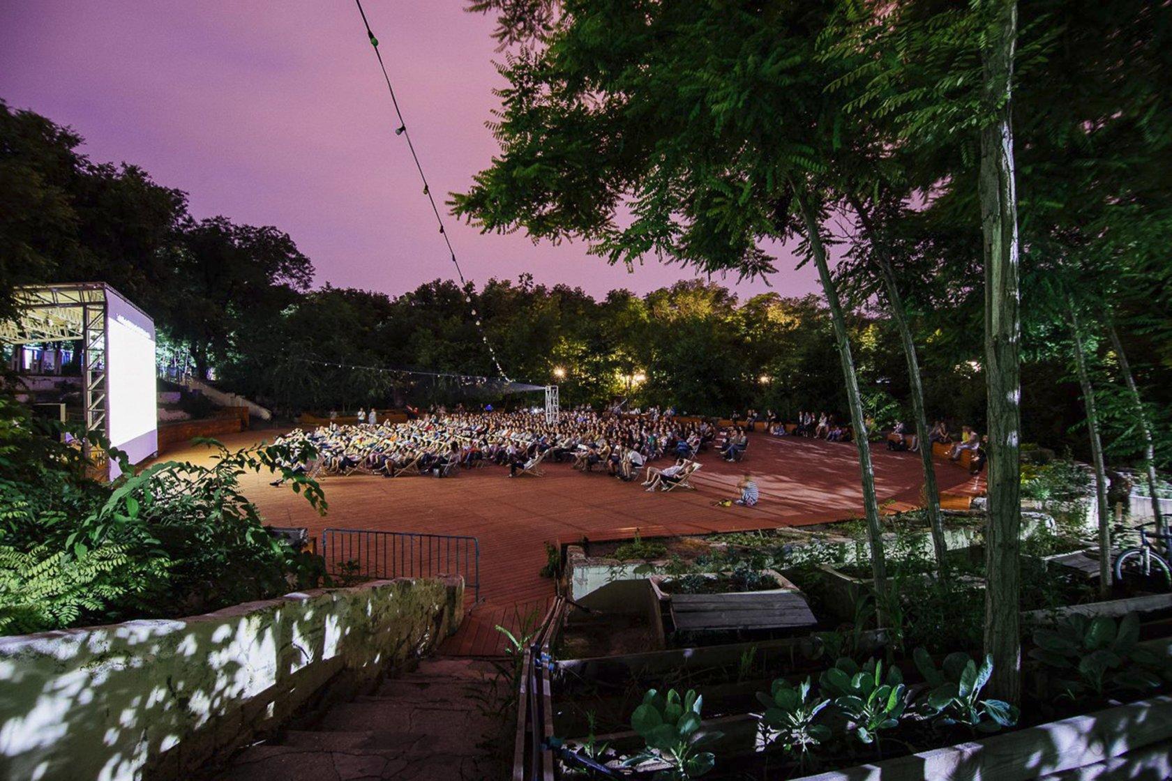 Як занедбані хащі стали культурним центром Одеси. Нове життя Зеленого театру