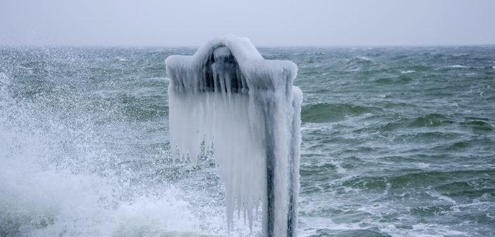 Завораживающие кадры замершей одесской набережной